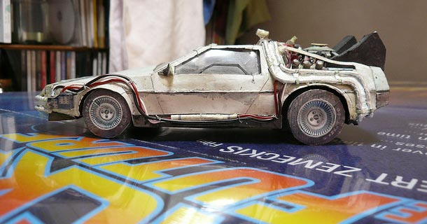 Blog_Paper_Toy_Delorean_papercraft_preview