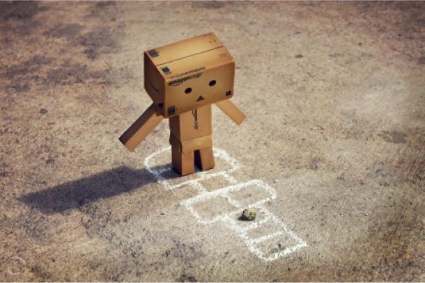 Blog Paper Toy papertoy Danbo hopscotch Danbo, le robot en carton...