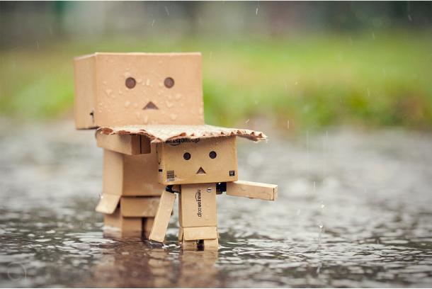 Blog Paper Toy papertoy Danbo rain Danbo, le robot en carton...