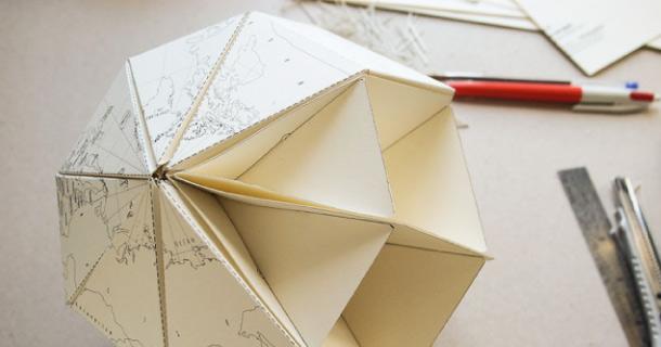 Blog_Paper_Toy_Paper_Globe_Joachim_Robert