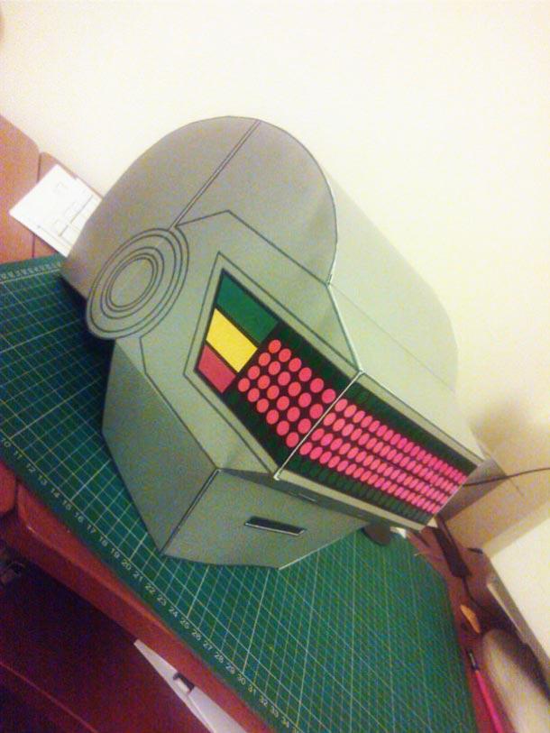 Blog Paper Toy papercraft Daft Punk Helmets pic3 Daft Punk Helmets papercraft (x 2)