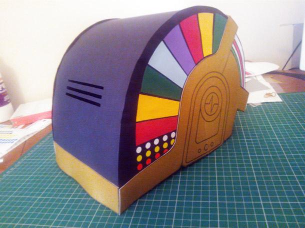 Blog Paper Toy papercraft Daft Punk Helmets pic4 Daft Punk Helmets papercraft (x 2)