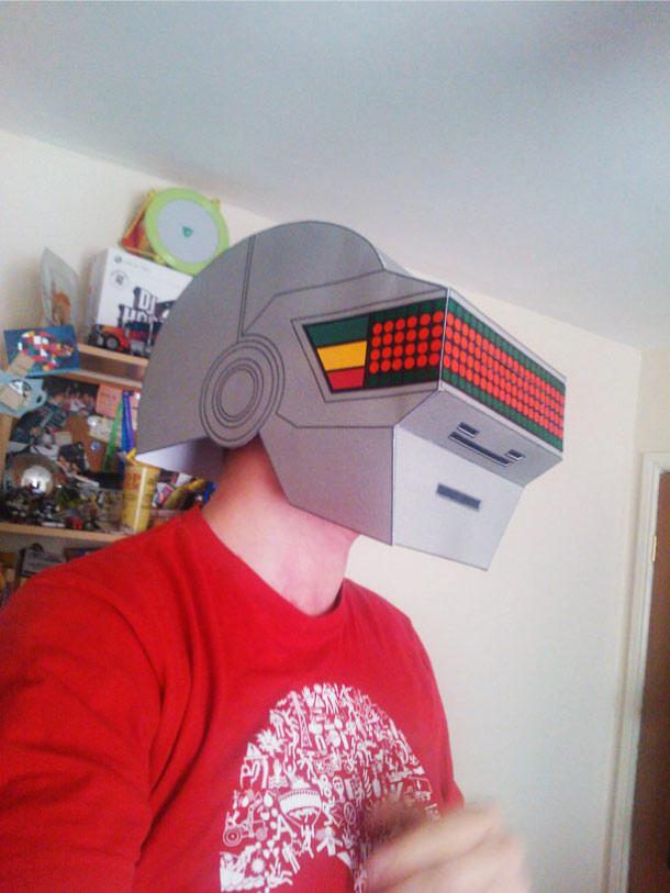 Blog Paper Toy papercraft Daft Punk Helmets pic5 Daft Punk Helmets papercraft (x 2)