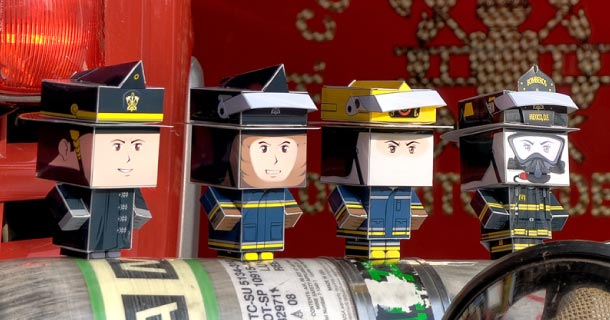 Blog_Paper_Toy_papertoys_Cubeecraft_Firefighters_Ricardo_Herrera