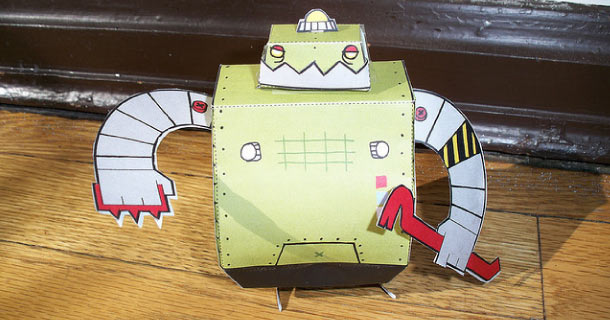 Blog_Paper_Toy_papertoy_ExtortionBot_LouLou_and_Tummie