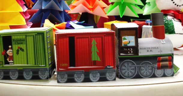 Blog_Paper_Toy_Christmas_Papercraft_Train