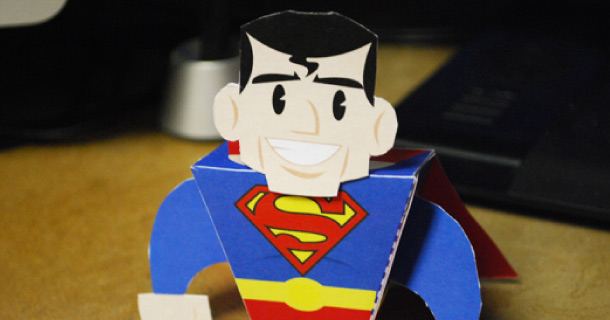 Blog_Paper_Toy_papertoy_Superman_Zachary_Trover