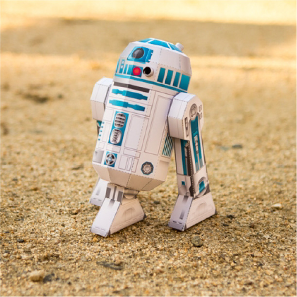 Papercraft  de R2-D2 de Star Wars. Manualidades a Raudales.